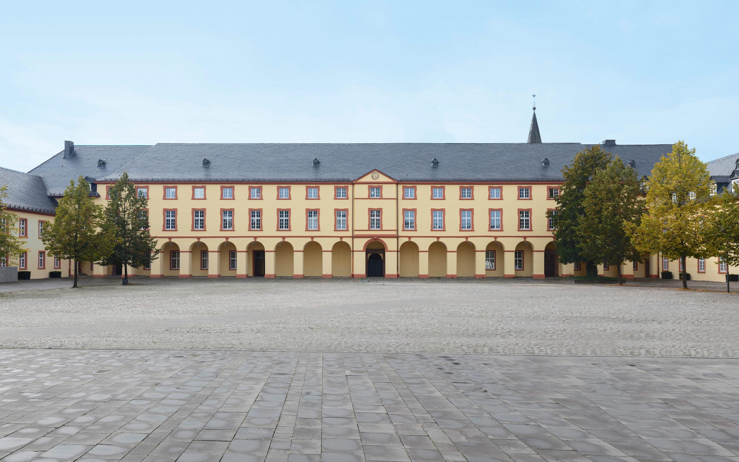Campus unteres schloss universit t siegen for Universitat architektur